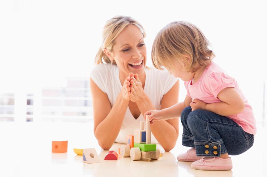 Oyun Ablası mı Tam Zamanlı Çocuk Bakıcısı mı?
