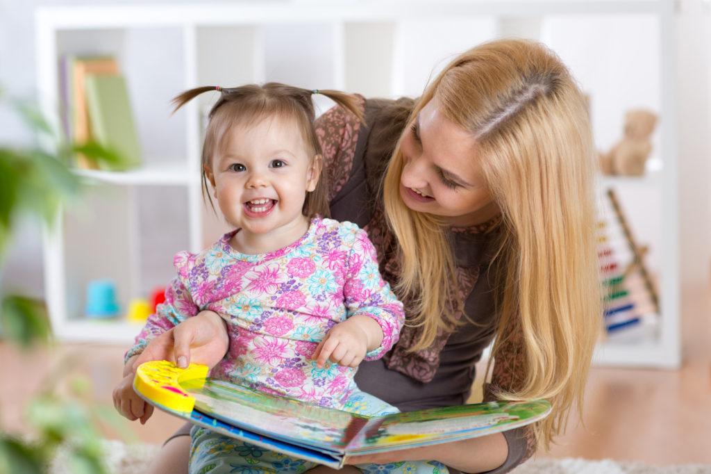 Evde Çalışan Anneler de Bakıcıya İhtiyaç Duyuyor