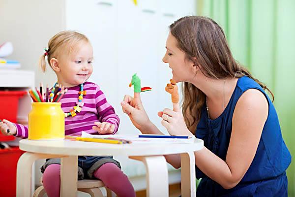 Bebek ve Çocuk Bakımında Akraba mı Yoksa Tecrübeli Bakıcı mı?
