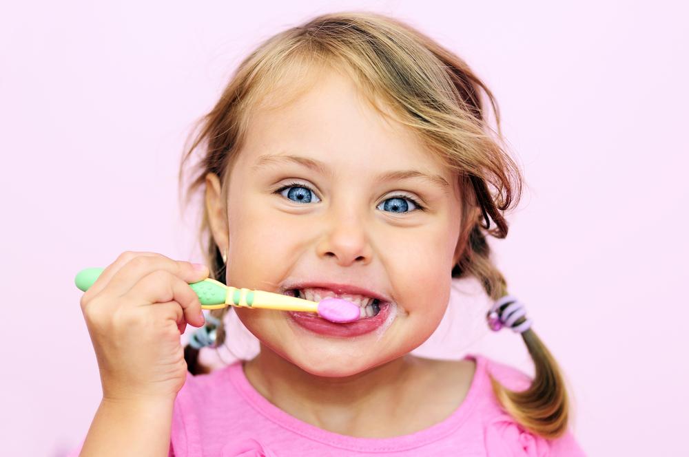 Diş Fırçalamanın Önemi ve Çocuklara Diş Fırçalama Alışkanlığının Kazandırılması