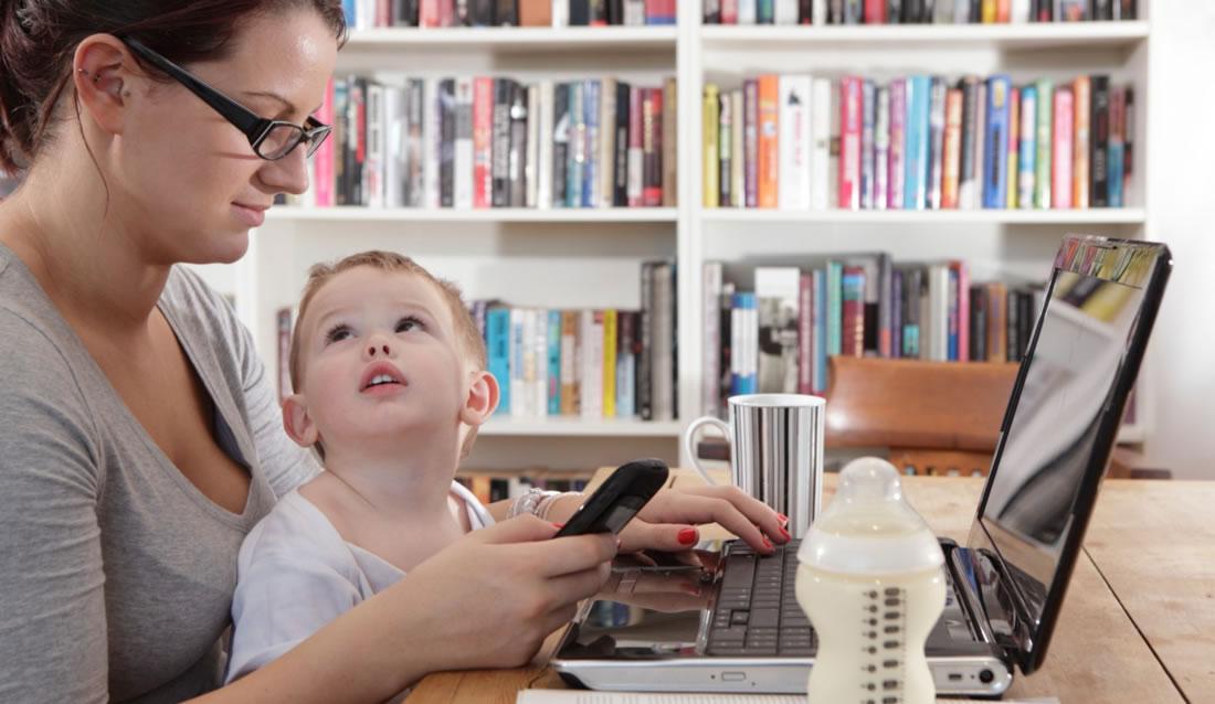 Evden Çalışan Anneler de Güvenilir Çocuk Bakıcısına İhtiyaç Duyarlar