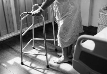 Evde İtinalı Bir Hasta Bakımı