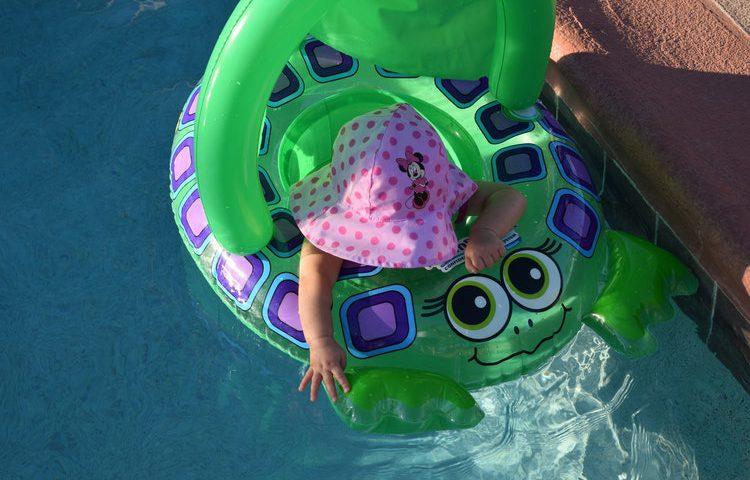 yaz mevsiminde bebek bakımı