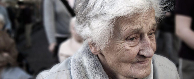 yaşlı bakıcısı ile ilgili
