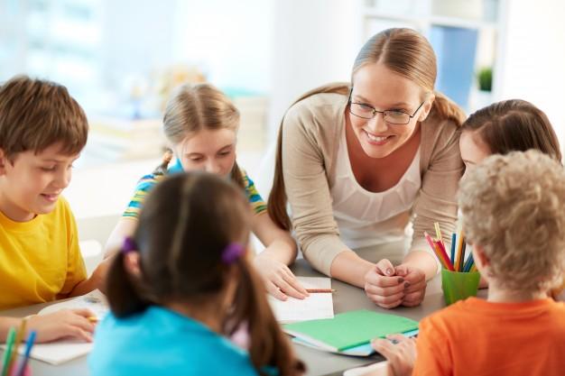 bebek bakıcısı ile yabancı dil eğitimi