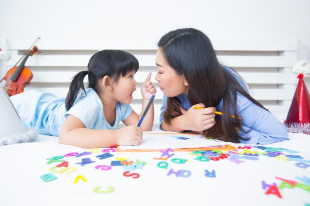 oyun ablası ile yabancı dil eğitimi