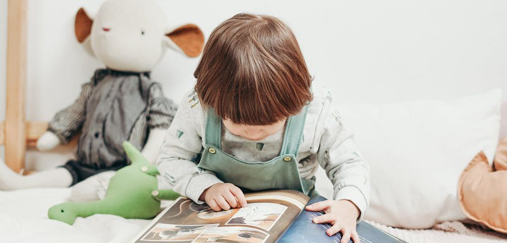 çocukluk döneminde kitap